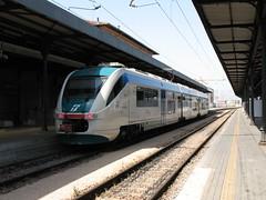 Minuetto train at the staion of Bologna Centrale (Bologna, Italy) (photobeppus) Tags: italy trains bologna railways stazione stations centrale trenitalia minuetto