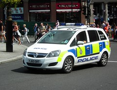 West Yorkshire Police Dogs (kenjonbro) Tags: uk england white london westminster canine 150 special 13 charingcross k9 vauxhall 2010 sw1 mpv zafira cdti policedogs westyorkshirepolice kenjonbro fujifilmfinepixhs10 yj60ewt