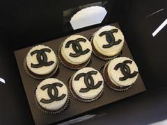Chanel (Confetti & Cupcakes) Tags: cake bar spider cupcakes high mini confetti evento beb bolo casamento convite festa aniversrio ch aranha marmita drika homen monter personalizados novaes gostosos decorados