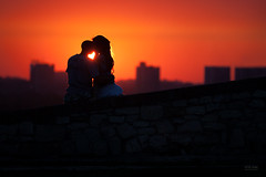 Serbia - Love in Belgrade (sadaiche (Peter Franc)) Tags: sunset sun love sunshine heart serbia silhouettes lovers belgrade beograd par goldenlight kalemegdan zalazak siluete sunce ljubav sreca neznost zagrljaj zaljubljenost