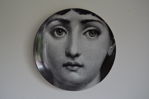 Plate with a touch of art