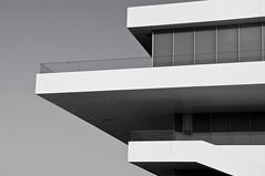 B&Walcon (Vte.Moncho) Tags: city bw white black building blanco valencia port puerto arquitectura negro edificio ciudad urbana balcon terraza vents citi citie veles