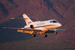 Raytheon Hawker 800 'N25BB' (Tom_Morris Photos) Tags: jet raytheon 800 hawker bizjet scottsdaleairport sdl ksdl n25bb