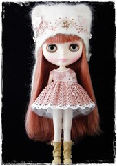 For primadolly (Leshan1) Tags: hat doll dress crochet blythe leshan rbl feltedhat dolldress blythedress dollcrochet veronicalace blythecrochet leshancrochet