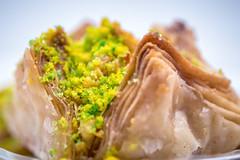 Genießen 214/366 (Skley) Tags: lebensmittel baklava süssspeise kuchen gebäck 214366 2016 foto bild süss blätterteig küchlein türkische arabische lecker