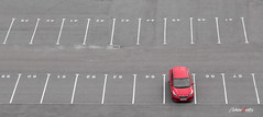 Soledad (adrivallekas) Tags: sanpetersburgo stpetersburg dock car red parking park alone lonely coche rojo aparcamiento kia viajar travel trip canon canoneos6d canonef24105mmf4lisusm russia rusia muelle puerto pier