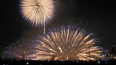 "12006 (tanaka""labo""tamochi) Tags: tanakalabotamochi umeda osaka japan naniwa yodogawa fireworks"
