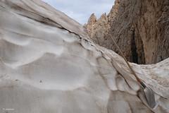 IceDigger (H. Eisenreich) Tags: eisenreich hans fujifilm xt1 grber langkofel gletscher langkofelscharte treppe sassolongo sdtirol digger eis ice glacier stair schaufel schnee gefroren rock shovel snow