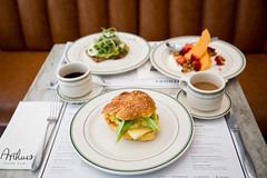 014-arthurs-photo susan moss (The Montreal Buzz) Tags: montreal quebec canada susan moss arthurs restaurant nosh plat repas djeuner caf jaune vert fruits