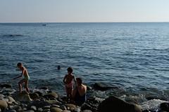 Les plongeurs (Pierrodysse) Tags: italie italy italia cinqueterre sea mer mditerrane mediterranean riomaggiore fujifilm xpro2 fujixpro2