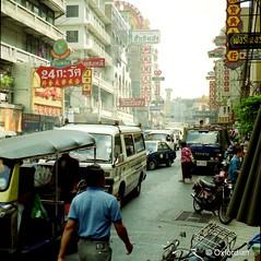 exploring Bangkok (oxfordian.world) Tags: bangkok thailand traffic streetview oxfordian bangkokstreetview 1992 explorer asia analogphotography