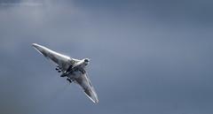 Vulcan to The Sky (markhortonphotography) Tags: plane canon display aircraft aviation surrey airshow 7d vulcan farnborough steal 100400l xh558 avrovulcan vulcantothesky eos7d spiritofgreatbritain fia12 farn12