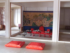 The King's Living Area at Gyeongbokgung Palace -- Seoul, South Korea, July 2, 2012 (baseballoogie) Tags: palace seoul southkorea gyeongbokgung gyeongbokgungpalace 070212 canonpowershotsx30is baseball12