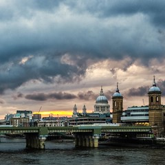 ~ just london ~ (Janey Kay) Tags: uk sunset summer london thames sommer londres angleterre t stormysky coucherdesoleil 2012 london2012 royaumeuni janeykay july2012 panasoniclumixdmclx5 juillet2012