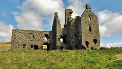 Dunskey Castle from the West (Jani Helle) Tags: castle scotland ruins portpatrick towerhouse dumfriesandgalloway dunskey dunskeycastle portphdraig september2011
