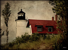 Point Betsie Light (MEaves) Tags: lighthouse michigan structure lakemichigan toned textured pointbetsie k10d pentaxk10d pentaxart greatlakeslight