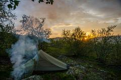 Smoking the mosquitos away (JSS-N) Tags: sunset camp norway nikon august arctic campfire juli nikkor 2012 finnmark fisketur srvaranger helsport d7000 nikonafsdxnikkor1685f3556gedvr jarfjordfjellet helsportringstind2light