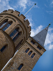 Burg Hohenzollern (Manuel_Rathgeb) Tags: castle architecture sommer knight alb aussicht schloss landschaft wald bume burg ritter mittelalter schwbischealb hohenzollern blumenundpflanzen