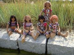 Kindergartenkinder (Kindergartenkinder) Tags: pool dolls sommer kindra tivi setina annettehimstedt annemoni kindergartenkinder himstedtkinder sanrike naturbadolfen