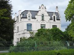 't Vinkennest, Erps-Kwerps (Erf-goed.be) Tags: geotagged villa landhuis vlaamsbrabant kortenberg archeonet erpskwerps geo:lat=508955 vinkennest engerstraat geo:lon=45463