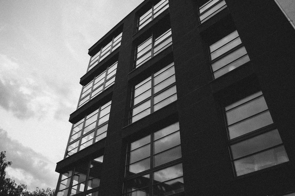 Tsto Building Windows