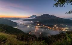 Sunrise at Pinggan Hill, Kintamani Batur, Bali, Indonesia (Maria_Globetrotter) Tags: dscf2319hdr 2016 fujifilm indonesia mariaglobetrotter misty sunrise sunset aerial hills