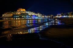 Pescola (Juaberna) Tags: pescola castelln espaa spain night city landscape coast sea nocturna mar reflejos reflections beach playa nikon d610 nikkor 2485mm vr lights luces