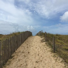 Et au bout du chemin, l'ocan... (Reb et Ka) Tags: bretagne breizh bzh morbihan erdeven ocean lande sky ciel clouds