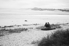 a seaside romance (matthewheptinstall) Tags: northumberland landscape uk englandcoast seaside coastline holiday travel alnmouth beach couple embrace