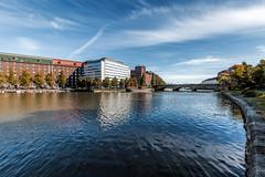 Helsinki (Tuomo Lindfors) Tags: helsinki suomi finland topazlabs clarity dxo filmpack kaisaniemenlahti pitksilta vesi water meri sea silta bridge