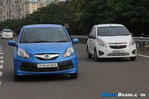Chevrolet-Beat-vs-Honda-Brio-05