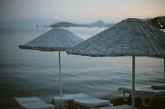 Bodrum / Bitez (yavuz.kaya) Tags: sunset sea color art film colors beautiful analog 35mm canon wow turkey wonderful nice dof kodak bokeh good turkiye smooth fast 200iso 55mm stunning excellent plus 12 fullframe fx bodrum silky lenses fd f12 wideopen bitez canonfilm canonfd canonfx lensfd fdlens fastlens filmisnotdead camerafilm kodakcolor