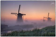 Windmills of Kinderdijk (Frank Kehren) Tags: netherlands windmill fog sunrise canon nederland unescoworldheritagesite f11 zuidholland 24105 canonef24105mmf4lis ef24105mmf4lisusm molenkade canoneos5dmarkii schuwacht