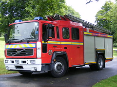 1865 - GMFRS - Greater Manchester Fire And Rescue Service - Volvo FL - Saxon - Pump Ladder - MH04 FJA (Call the Cops 999) Tags: park uk england rescue manchester fire volvo day open central stripe july crest pump queens vehicles 101 bolton vehicle and service fl greater ladder 29 emergency 112 services saxon 2012 revolving 999 lightbar mh04 fja gmfrs sanbec dscf6473