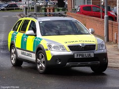 East Midlands Ambulance Service Skoda Octavia Scout Rapid Response Vehicle 6333 (PFB-999) Tags: new hospital scout ambulance east vehicle service rapid emas skoda octavia grimsby midlands response 6333 rrv