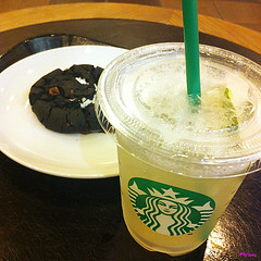 Starbucks Coffee ,  (hanatomosan) Tags: iphone starbuckscoffee