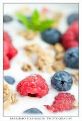 (Massi23 (www.massimocasiraghi.com)) Tags: food breakfast mint more blueberry raspberry yogurt granola colazione foodphotography cereali lamponi massimocasiraghi