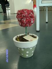 Topiaria (Ponto em Ponto) Tags: flores ceramica artesanato sala fuxico decoração cozinha vaso topiaria