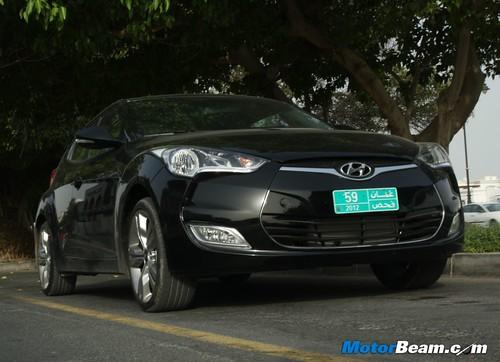 2012-Hyundai-Veloster-14