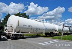 UTLX 668200 (Ramblings From The 4th Concession) Tags: tankcar utlx taggedrailwayequipment utlx668200