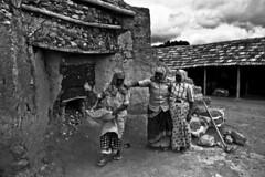 Lime Stone (ayashok photography) Tags: woman india man men work asian workers nikon women asia indian desi hardwork bharat pollachi bharath desh barat barath nikkor24120mmvr nikond700 ayshok limestonefactory