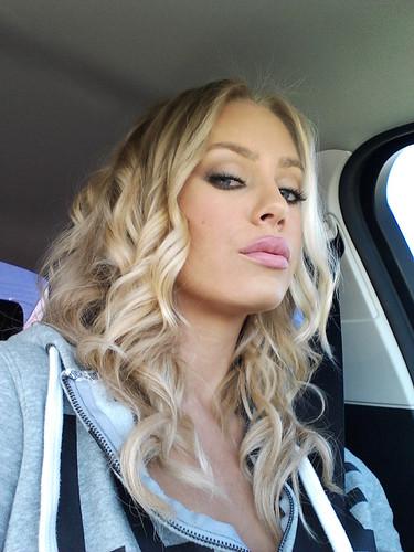Nicole aniston profile