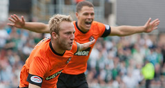 Dundee-United-v-Hibernian-Johnny-Russell-cele_2807095[1]