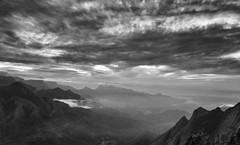 Mountains (Padmanabhan Rangarajan) Tags: munnar clouds mountains india kolukkumalai