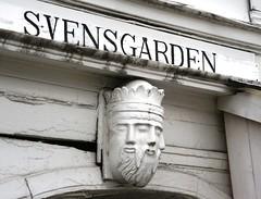 2016-07-18 S9 JB 100323##coac Svensgrden (cosplay shooter) Tags: unesco worldheritage unescoworldheritage hanse bergen norway norwegen norge brygge 201607 x201608 100b svensgarden