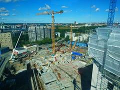 Sdersjukhuset (skumroffe) Tags: sdersjukhuset construction baustelle bygge byggarbetsplats hospital sjukhus locum ncc cranes kranar gruas grues liebherr turmkran turmdrehkran torenkraan tornkran byggkran lyftkran towercrane ss stockholm sweden liebherrmk110
