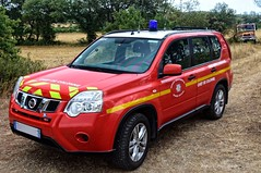 CS Salon-de-Provence - VLCC 12 (Arthur Lombard) Tags: firedepartment firebrigade firetruck firestation pompiers nissan nissanxtrail vlcc vlcc12 sdis sdis13 red rouge chief firechief command commandunit 4x4 gyrophare bluelight nikon nikond7200 france emergency