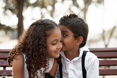 Evelyn e Kau (JESSICA FERRREIRA) Tags: irmo irm estilo criana menino menina cachos cosmopolis d90 50mm photografia foto ar livre externo sorriso natural cat lindo linda