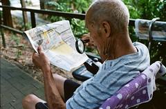 Hard work (Anthony, Lau) Tags: film leica summicron 35mm f2 portra kodak analog m6 hongkong elderly