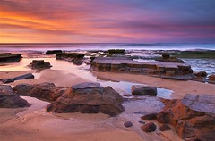 Bar Beach Sunrise Spectacular. (archie0) Tags: longexposure sunrise moss rocks glow australia lowtide coalships leefilters canon5dmkii barbeachnsw
